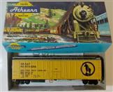 ATHEARN 1634 50 FT O B GREAT NORTHERN #8813, WESTERN FRUIT EXPRESS REFRIGERATOR